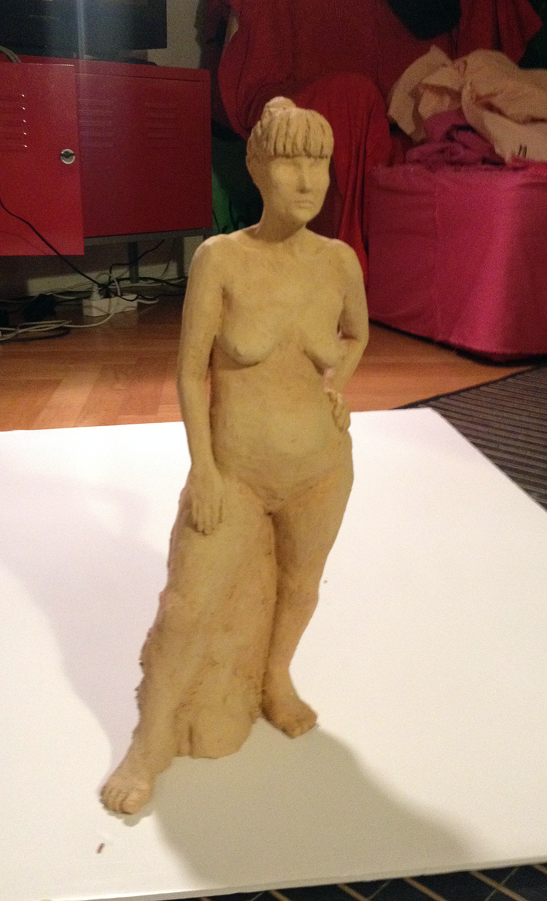 Her(e). Sculpture. Clay, 30 cm. By Anna-Lena Ekenryd 2013.