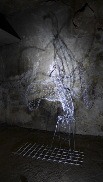 Unwanted. Installation, metal wire and light. By Anna-Lena Ekenryd 2015.